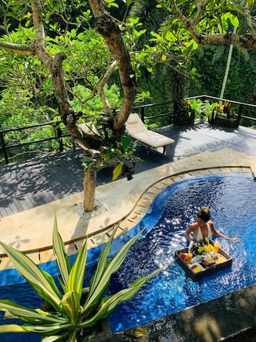 """Yaru, Airbnb On-Line Guest Review:   """"...Love the villa so much! It exactly took my breath away. It was one of the best places in my life so far. Words can't express my thoughts..."""""""