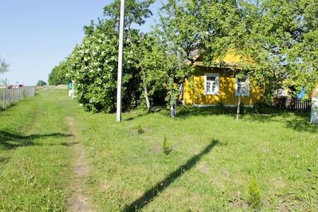 """Дом на берегу озера Свирь, усадьба """"Набережная"""""""