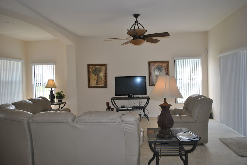 Family room with 42'' HD TV