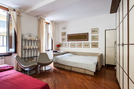 Beautiful flat in Milan, near Duomo - Byt