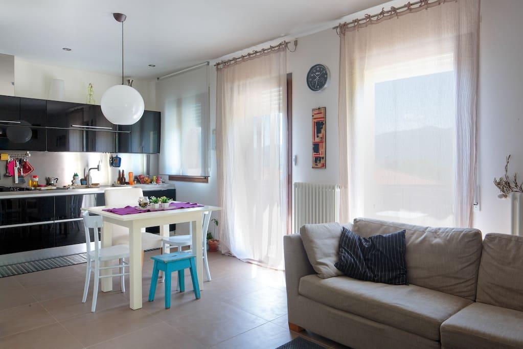 Cucina e soggiorno -  spazio condiviso