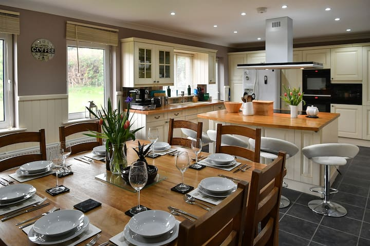 Pudsey's Place  Rural setting with fantastic views
