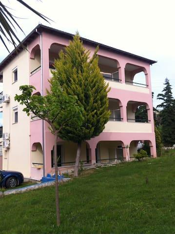 Apartmets Dejavu - Τριπόταμος - House