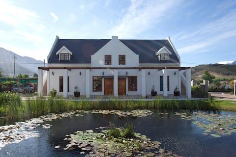 'Sauvignon Blanc' spacious apartment Wine Country