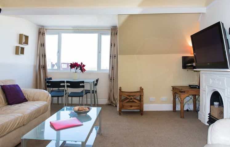 Gorgeous 1 bedroom flat - seaview - Bude - Daire