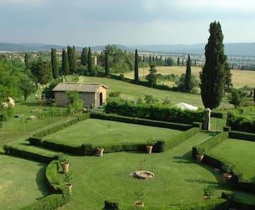 B&B4 in Tuscan Farm&VillaSiena10Min - San Rocco A Pilli