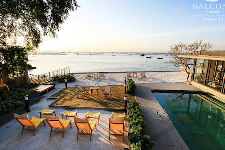 Balcony Seaside Serviced Apartments - Si racha, Chonburi - Bed & Breakfast