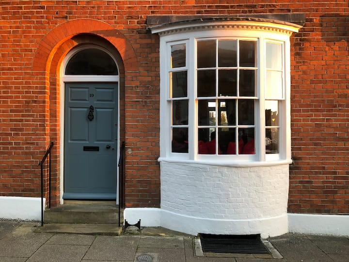 Townhouse suite in the heart of historic Arundel
