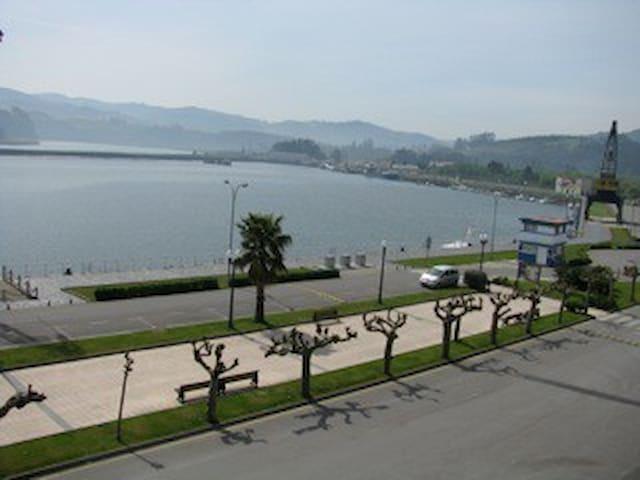Apartamento con encanto frente al mar, San Esteban - Muros de Nalón - Huoneisto