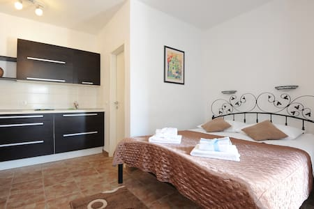 Tara 1, studio apartment - Šibenik