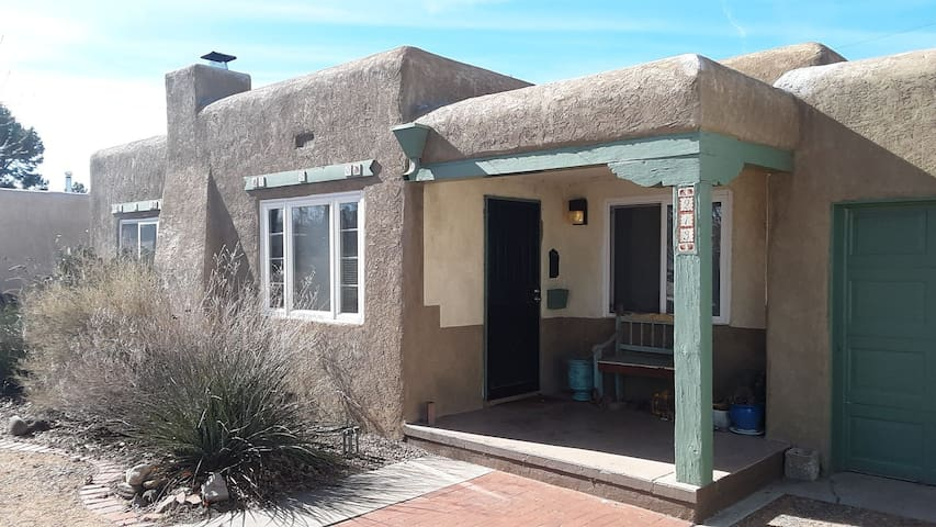 Casa Intima - Vintage Charm of the Old Southwest