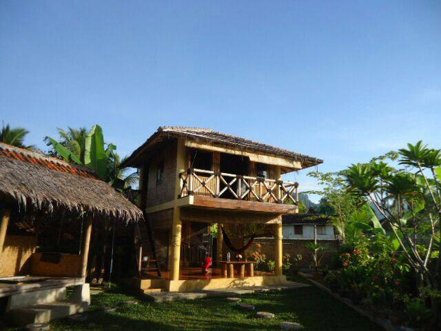 Chill House Cimaja (Entire house and cottage) - Cikakak - Rumah
