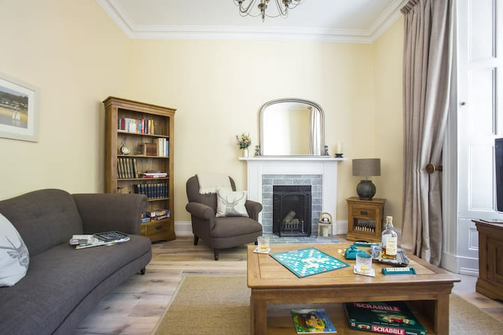 Luxury Two Bedroom Seaside Getaway - North Berwick - Apartament