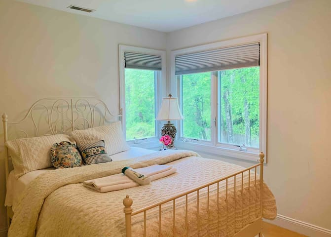 Peaceful 1 Bed Morristown Best Place to Live in NJ