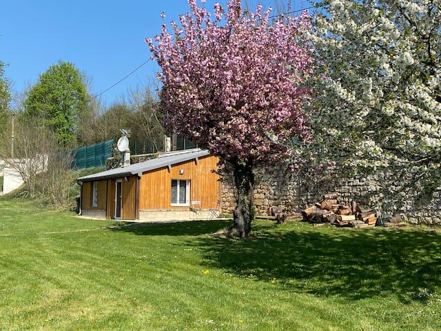 Dépendance cosy dans le Vexin, terrasse et jardin