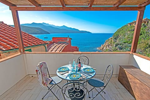 Elba Island Scaglieri, terrace between sky and sea