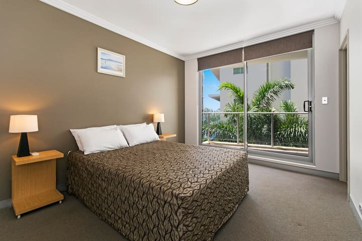 Redvue Luxury Apartments - Studio - Redcliffe - Apartment