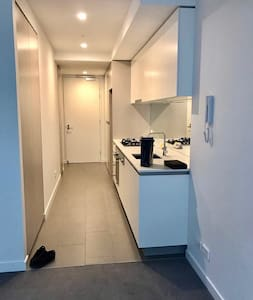 One Bedroom Apartment in Box Hill - Box Hill - Byt