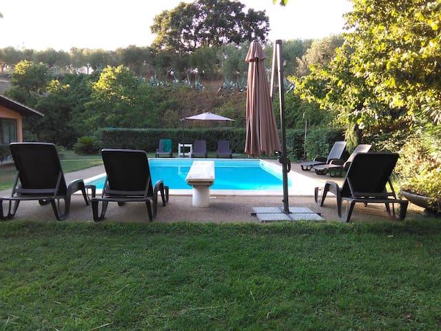 appartamento sulle colline di Roma con piscina