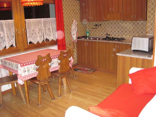 Appartamento con bagno quattro persone