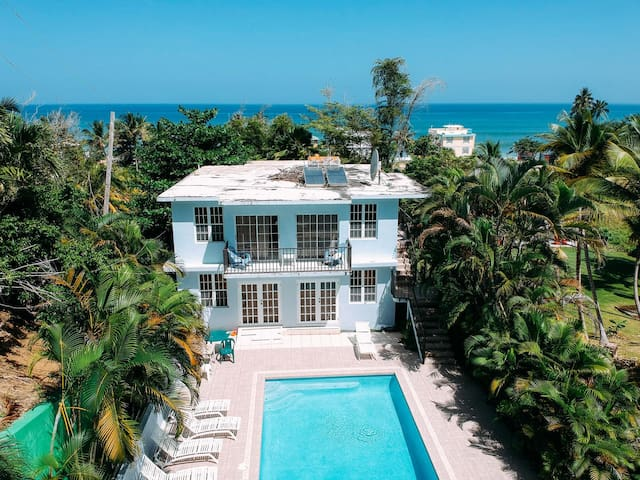 ✶Villa right by the Pool / A Min Walk to the Beach