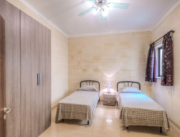 Enjoy Gozo-Bedroom w/private toilet - Ir-Rabat Għawdex - Talo
