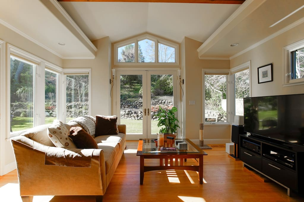Light and sunny family room off kitchen.