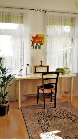 Ein Zimmer am Deich - Hamburg