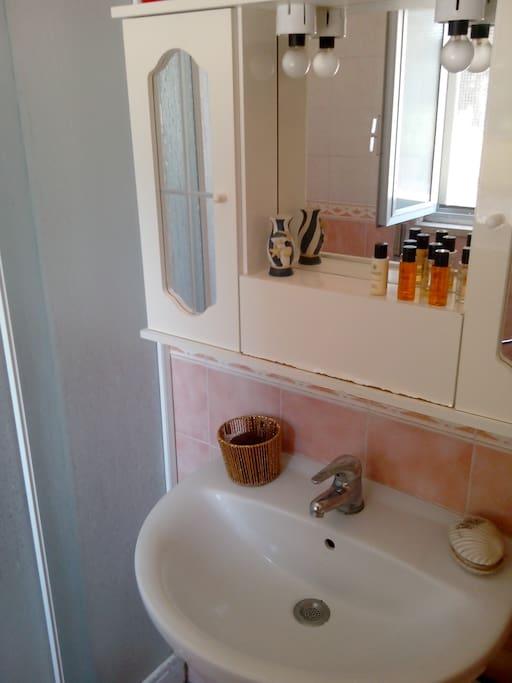 bagno privato camera da letto matrimoniale