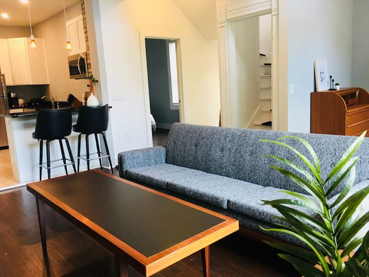 Modern Walkers Point Loft, 5mins to Downtown