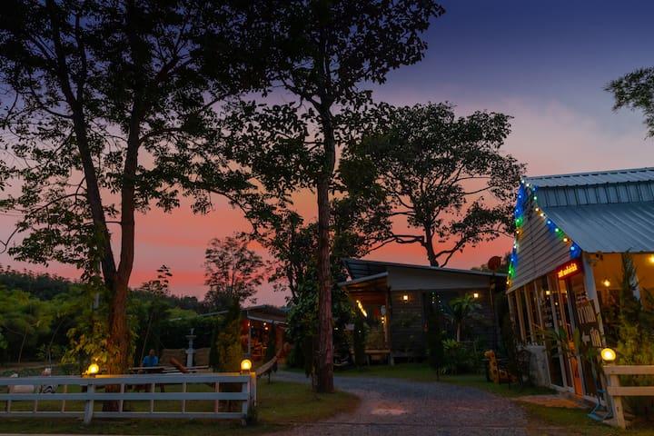 Sun set at Saengcha Farm Resort