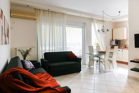 1 BEDROOM CONDO BY MARINA FLISVOS - Paleo Faliro - Huoneisto