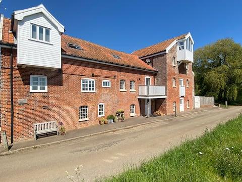 Butley Mill Luxury flat in beautiful rural setting