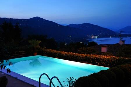 Tantalizing villa with private pool - Meina