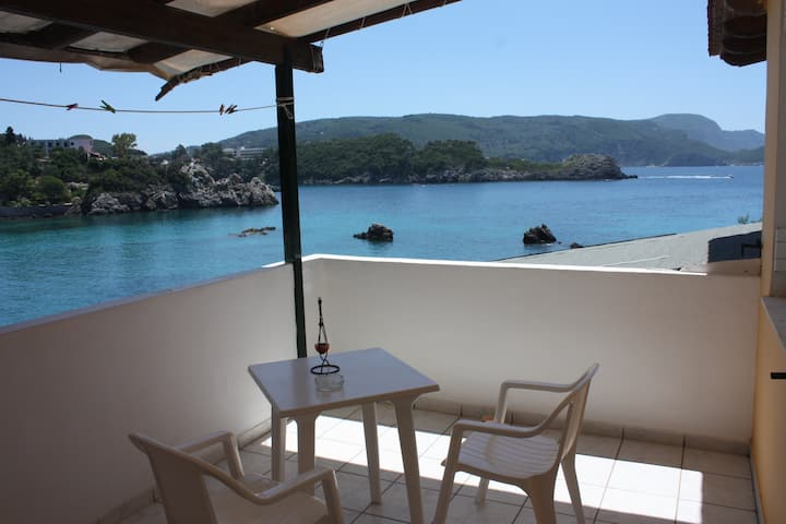 Room only 20 meters from the beach