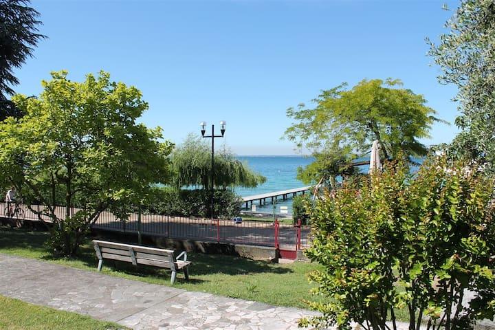 Favola Bella with private beach - Bardolino - Apartemen