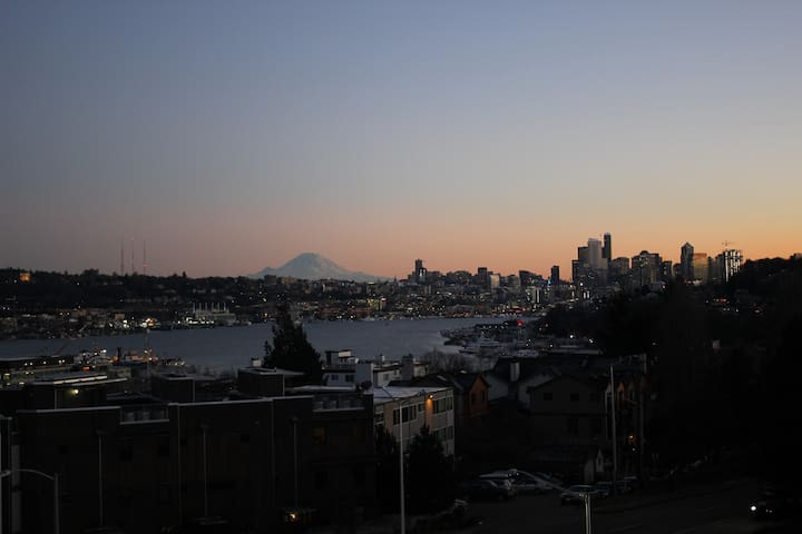 Private Room in Fremont. Easy Access Downtown. - Seattle - Apartment