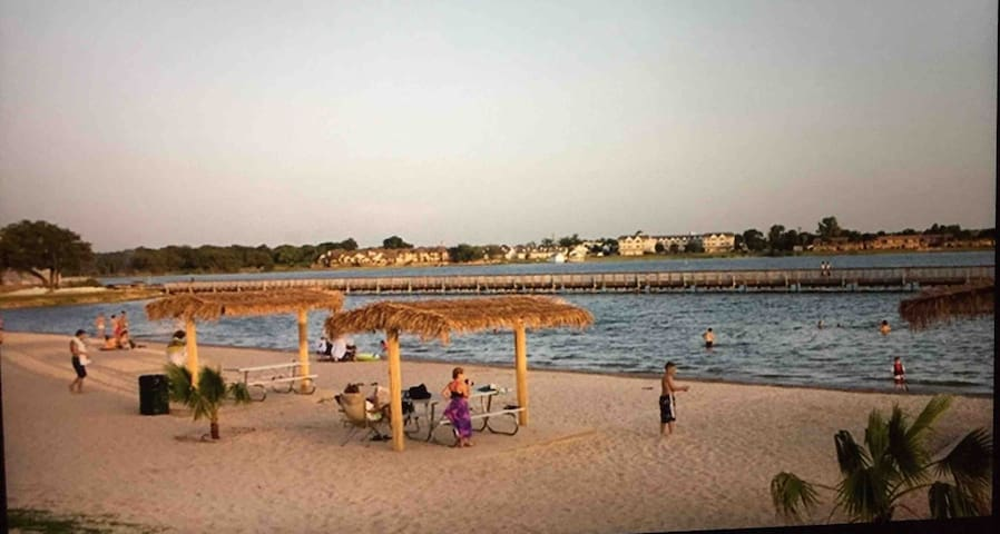 Community beach near downtown  Granbury    6 miles from house