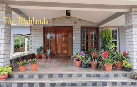 The Highlands - Home Stay