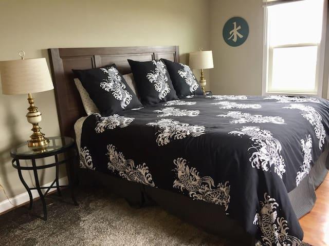 Large King Bedroom.