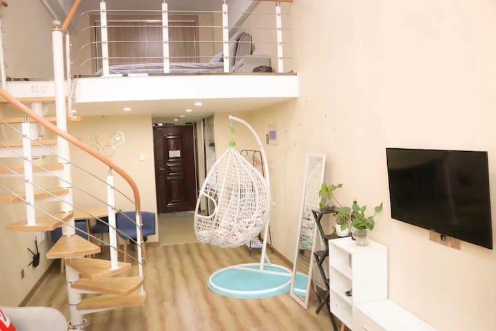 悦宿北欧风情复式大床房