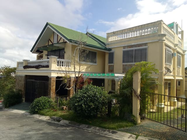 A home @ Jestra Heights Tagaytay