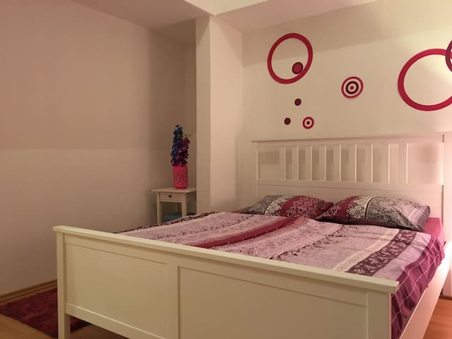 Master bedroom with king size bed (1,60 x 2,00)