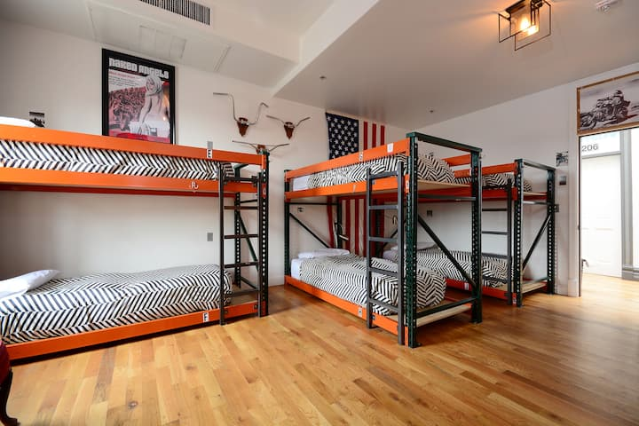 Great 10-Person Private Room in Downtown Denver!!!