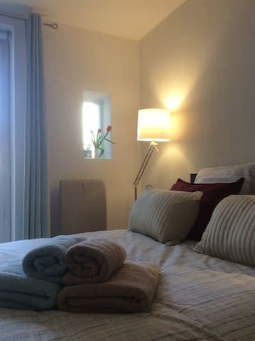 B&B dans appartement de charme Nice - Niza - Bed & Breakfast