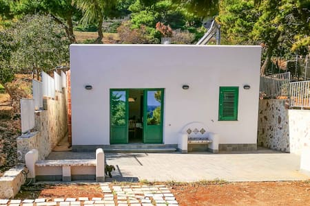Marettimo (Egadi Islands): Villa with Garden - Marettimo