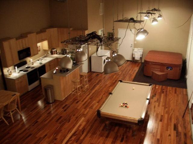 2 Bedroom Loft Downtown on 1st Ave. North