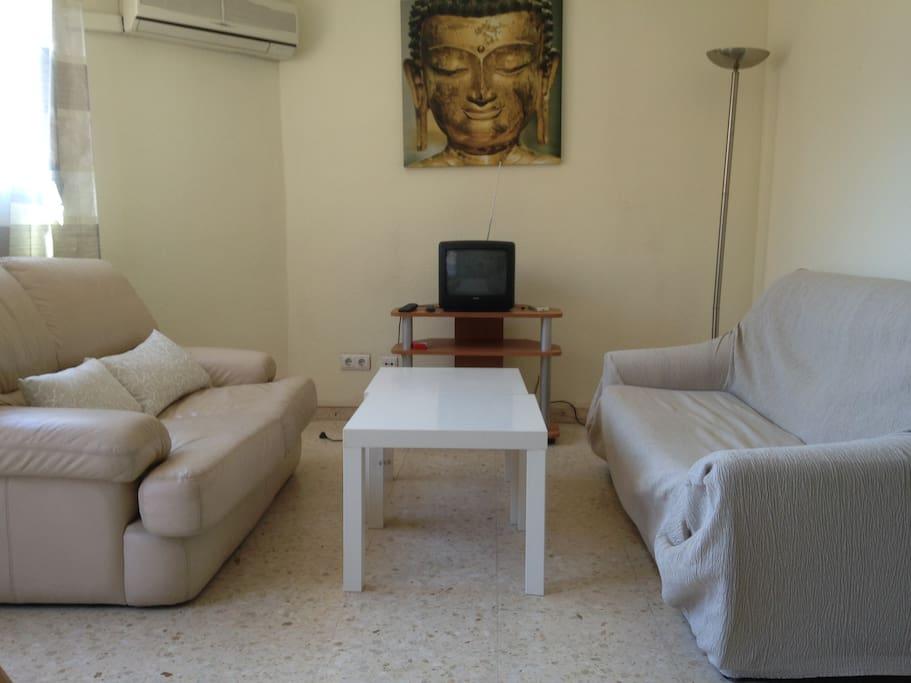 Piso 4 habitaciones primado reig apartments for rent for Piso 4 habitaciones valencia