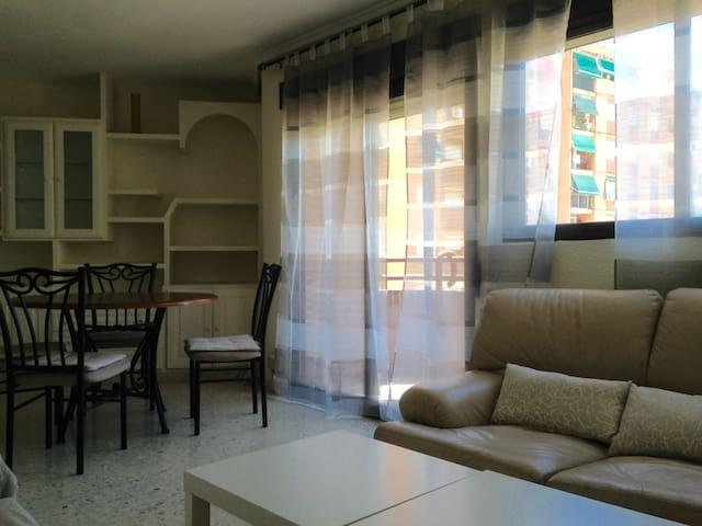 PISO 4 HABITACIONES - PRIMADO REIG - València - Apartment