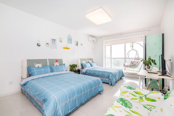 海蓝之家·森林逸城·room2•野生动物园新奥海底世界鸽子窝公园亲子双床房